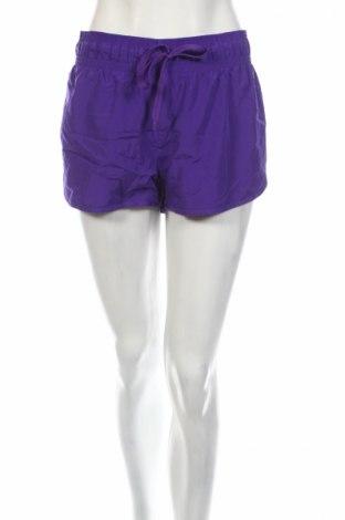 Γυναικείο κοντό παντελόνι Sports