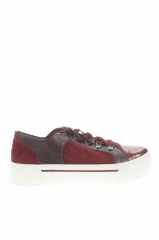 Γυναικεία παπούτσια Dkny