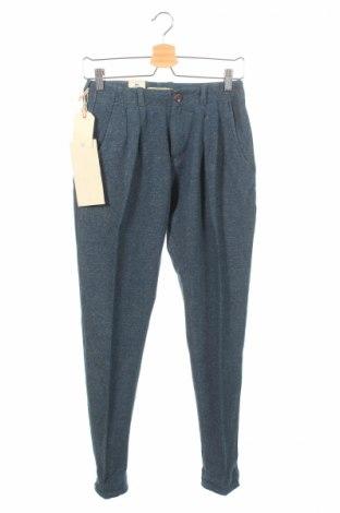 Dámské kalhoty  Levi's Made & Crafted, Rozměr XS, Barva Modrá, 60% bavlna, 20%acryl, 20% polyester, Cena  817,00Kč
