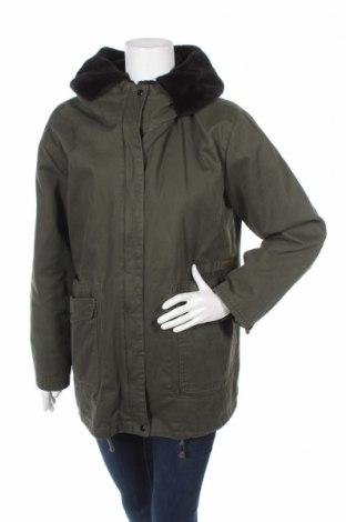 Γυναικείο μπουφάν Pull&Bear