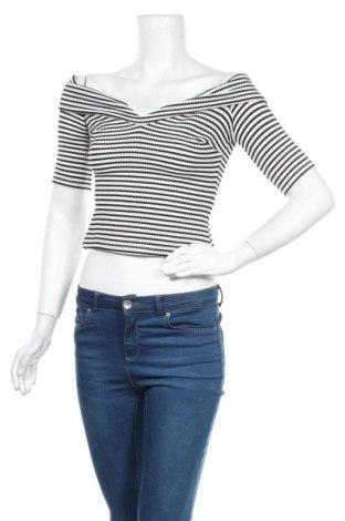 Дамска блуза Guess, Размер XS, Цвят Черен, 97% полиестер, 3% еластан, Цена 12,64лв.