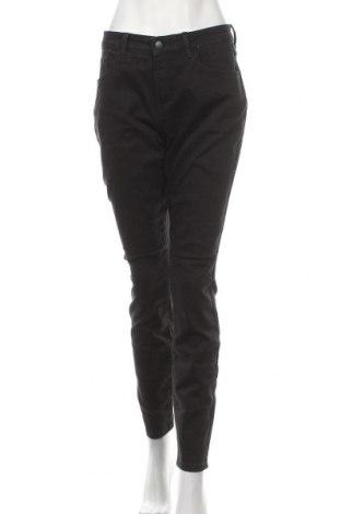 Дамски дънки, Размер XL, Цвят Черен, 76% памук, 22% полиестер, 2% еластан, Цена 31,50лв.