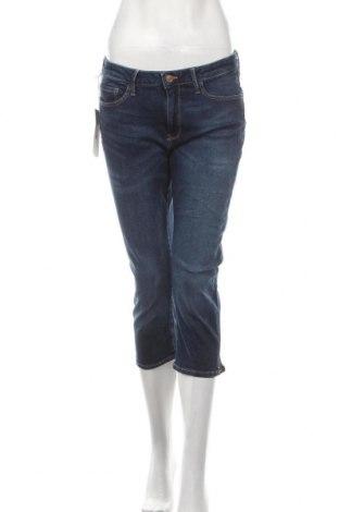 Дамски дънки Cross Jeans, Размер L, Цвят Син, 97% памук, 3% еластан, Цена 19,35лв.