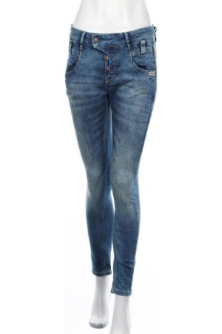 Дамски дънки Gang, Размер S, Цвят Син, 99% памук, 1% еластан, Цена 35,88лв.
