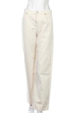 Дамски дънки Monki, Размер M, Цвят Екрю, Памук, Цена 28,28лв.