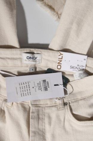 Дамски дънки ONLY, Размер M, Цвят Бежов, 92% памук, 6% други тъкани, 2% еластан, Цена 17,02лв.