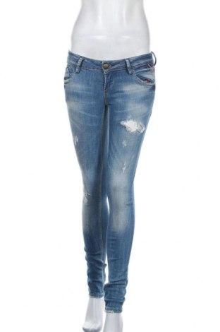 Дамски дънки Replay, Размер S, Цвят Син, 98% памук, 2% еластан, Цена 14,18лв.