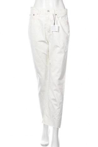 Дамски дънки Zara, Размер M, Цвят Бял, 100% памук, Цена 33,00лв.