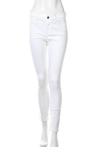 Дамски дънки Zara, Размер L, Цвят Екрю, 60% памук, 37% полиестер, 3% еластан, Цена 19,11лв.