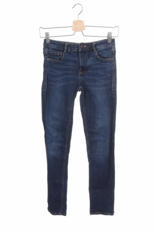 Дамски дънки Zara Trafaluc, Размер XS, Цвят Син, 98% памук, 2% еластан, Цена 27,00лв.