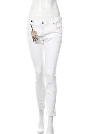 Дамски панталон, Размер L, Цвят Екрю, 97% памук, 3% еластан, Цена 16,03лв.