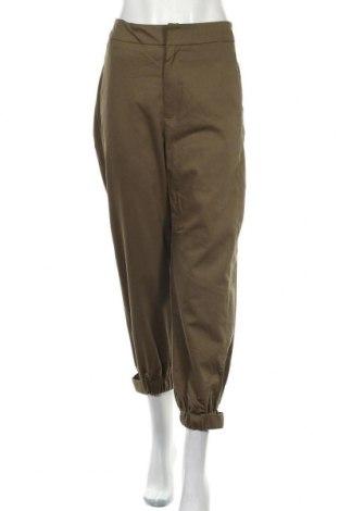 Дамски панталон Bardot, Размер M, Цвят Зелен, 60% памук, 38% полиестер, 2% еластан, Цена 11,55лв.