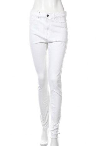 Дамски панталон Noisy May, Размер S, Цвят Бял, 63% памук, 33% полиестер, 2% еластан, Цена 18,18лв.