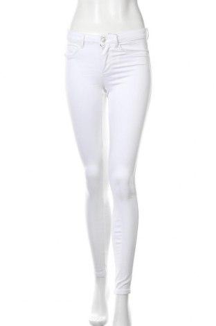Дамски панталон ONLY, Размер S, Цвят Бял, 69% памук, 29% полиестер, 2% еластан, Цена 14,59лв.