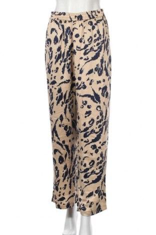 Дамски панталон Vero Moda, Размер S, Цвят Бежов, Полиестер, Цена 12,74лв.