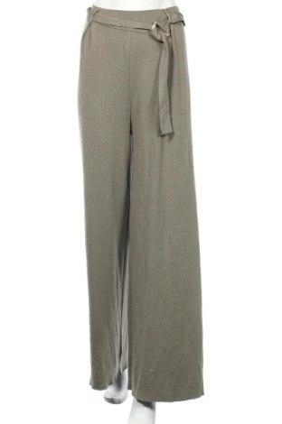 Дамски панталон Zara, Размер M, Цвят Зелен, 71% вискоза, 29% полиамид, Цена 17,58лв.