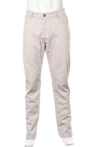 Мъжки панталон Pierre Cardin, Размер L, Цвят Бежов, 98% памук, 2% еластан, Цена 10,33лв.