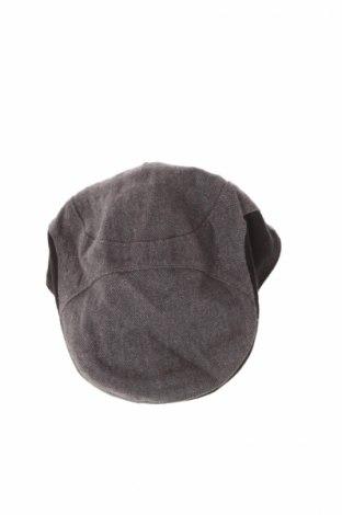Детска шапка Gymboree