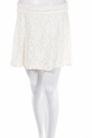Пола Charlotte Russe, Размер XS, Цвят Екрю, 94% полиамид, 6% еластан, Цена 4,38лв.
