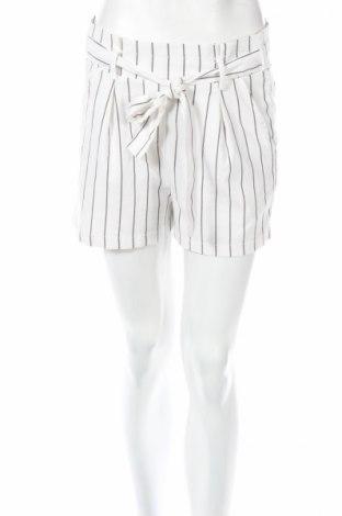Γυναικείο κοντό παντελόνι Bershka