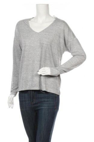 Дамска блуза Gap, Размер M, Цвят Сив, 48% полиестер, 48% вискоза, 4% еластан, Цена 12,48лв.