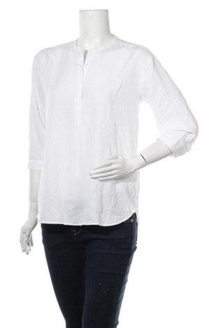 Дамска блуза Uniqlo, Размер L, Цвят Бял, 76% вискоза, 24% полиестер, Цена 11,34лв.
