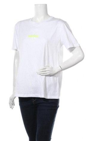 Дамска тениска Calvin Klein, Размер XL, Цвят Бял, Цена 59,25лв.