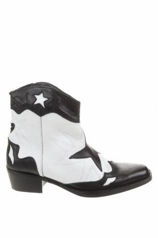 Dámské boty  Pull&Bear, Velikost 39, Barva Bílá, Pravá kůže, Cena  563,00Kč