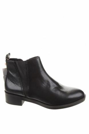 Dámské boty  Pull&Bear, Velikost 37, Barva Černá, Eko kůže, Cena  229,00Kč