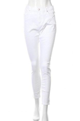 Дамски дънки, Размер L, Цвят Бял, Цена 14,22лв.