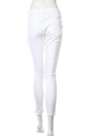 Дамски дънки, Размер S, Цвят Бял, Цена 14,24лв.