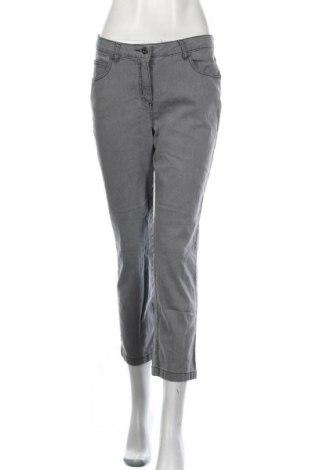 Дамски дънки, Размер M, Цвят Сив, 78% памук, 20% полиестер, 2% еластан, Цена 12,44лв.
