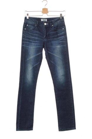 Дамски дънки Acne, Размер S, Цвят Син, 98% памук, 2% еластан, Цена 46,02лв.