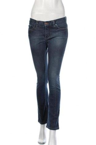 Дамски дънки Bebe, Размер L, Цвят Син, 98% памук, 2% еластан, Цена 23,60лв.