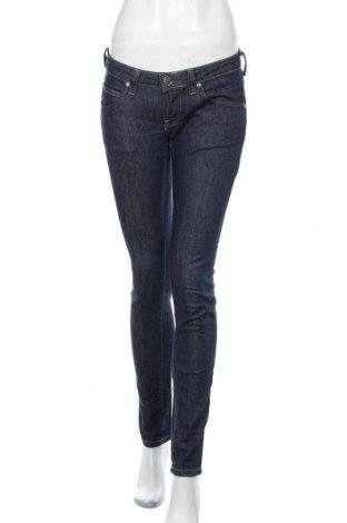 Дамски дънки Calvin Klein Jeans, Размер M, Цвят Син, 98% памук, 2% еластан, Цена 28,35лв.