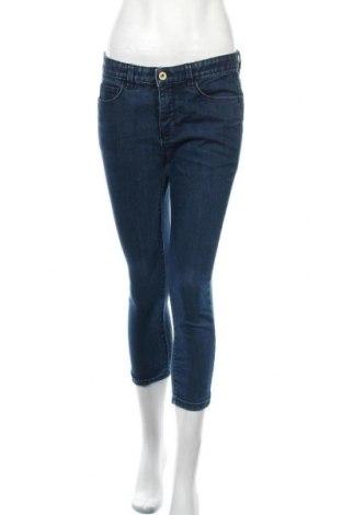 Дамски дънки Calvin Klein Jeans, Размер M, Цвят Син, 75% памук, 25% еластан, Цена 41,16лв.