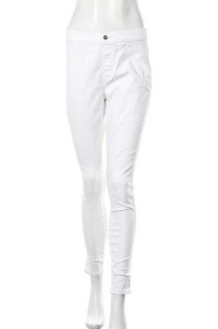 Дамски дънки Esmara, Размер M, Цвят Бял, 72% памук, 26% полиестер, 2% еластан, Цена 7,56лв.