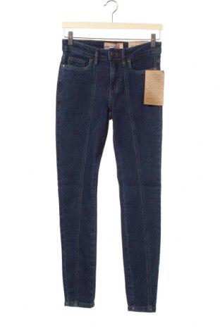 Дамски дънки Janina, Размер XS, Цвят Син, 98% памук, 2% еластан, Цена 15,54лв.