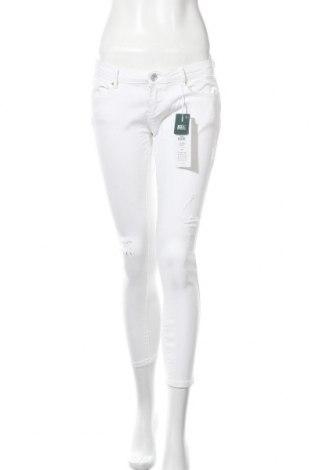Дамски дънки ONLY, Размер M, Цвят Бял, 98% памук, 2% еластан, Цена 15,06лв.