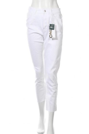 Дамски дънки ONLY, Размер M, Цвят Бял, 99% памук, 1% еластан, Цена 15,34лв.