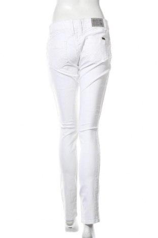 Дамски дънки Object, Размер L, Цвят Бял, 98% памук, 2% еластан, Цена 26,88лв.