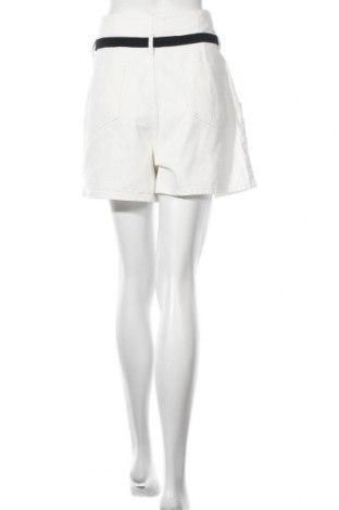 Дамски къс панталон Zara, Размер L, Цвят Бял, 100% памук, Цена 28,60лв.
