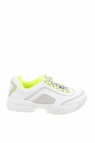 Дамски обувки Pull&Bear, Размер 40, Цвят Бял, Еко кожа, Цена 21,83лв.