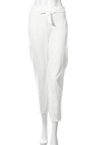Дамски панталон ONLY, Размер L, Цвят Екрю, 63% вискоза, 32% полиамид, 5% еластан, Цена 21,56лв.