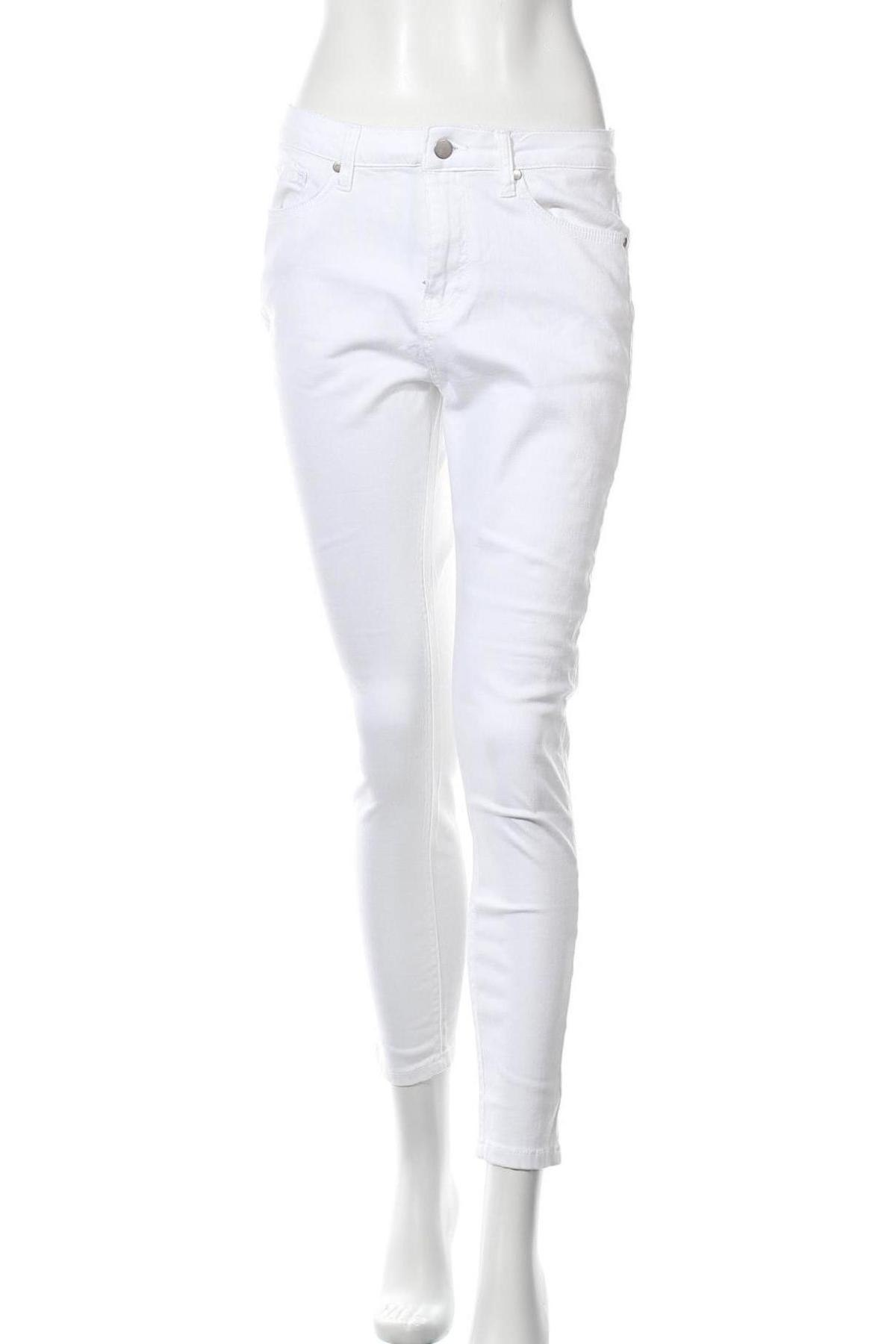 Дамски дънки, Размер M, Цвят Бял, 79% памук, 19% полиестер, 2% еластан, Цена 14,24лв.