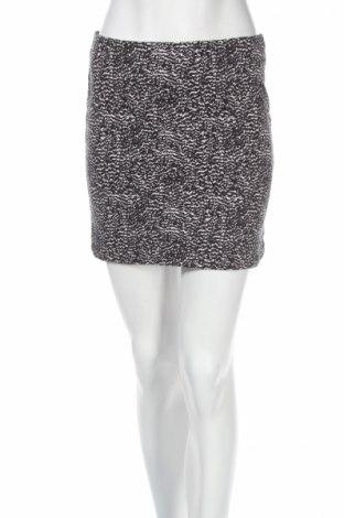 Пола H&M, Размер S, Цвят Бял, 95% памук, 5% еластан, Цена 4,75лв.