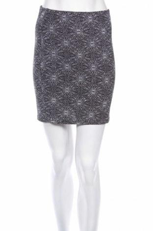 Φούστα H&M Divided, Μέγεθος S, Χρώμα Μαύρο, 92% πολυαμίδη, 5% ελαστάνη, 3% μεταλλικά νήματα, Τιμή 3,56€