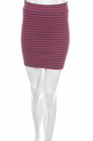 Пола H&M L.o.g.g, Размер S, Цвят Лилав, 95% памук, 5% еластан, Цена 4,00лв.
