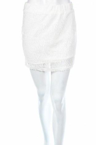 Пола Only, Размер M, Цвят Бял, Цена 5,40лв.