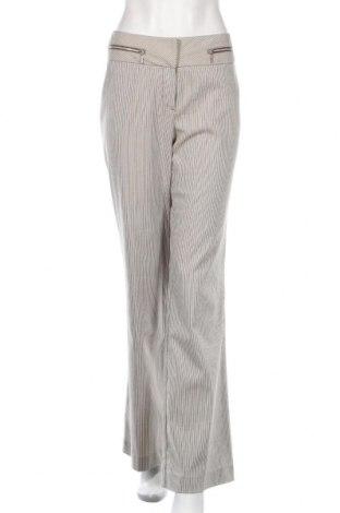 Дамски панталон Comma,, Размер M, Цвят Екрю, 25% памук, 13% вискоза, 23% полиестер, 36% полиамид, 3% еластан, Цена 46,41лв.